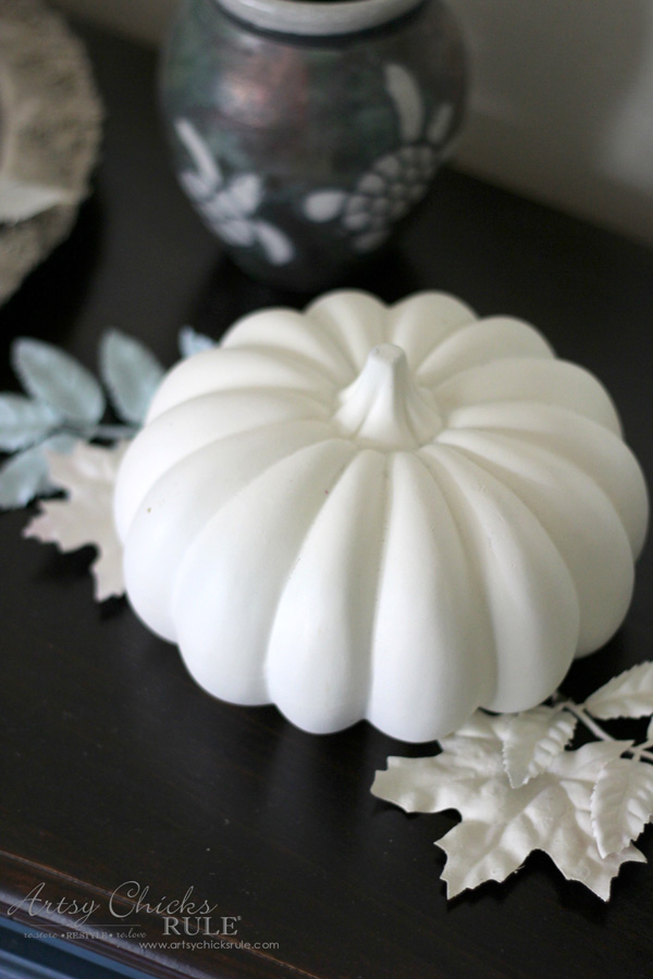 Budget Friendly Fall Decor - reuse what you have - artsychicksrule #falldecor #fauxpumpkins
