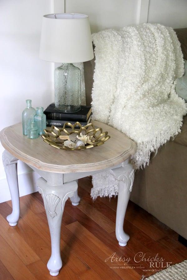 Coastal Styled Table with General Finishes Chalk Style Paint - COASTAL DECOR - artsychicksrule.com #chalkstylepaint #generalfinishes