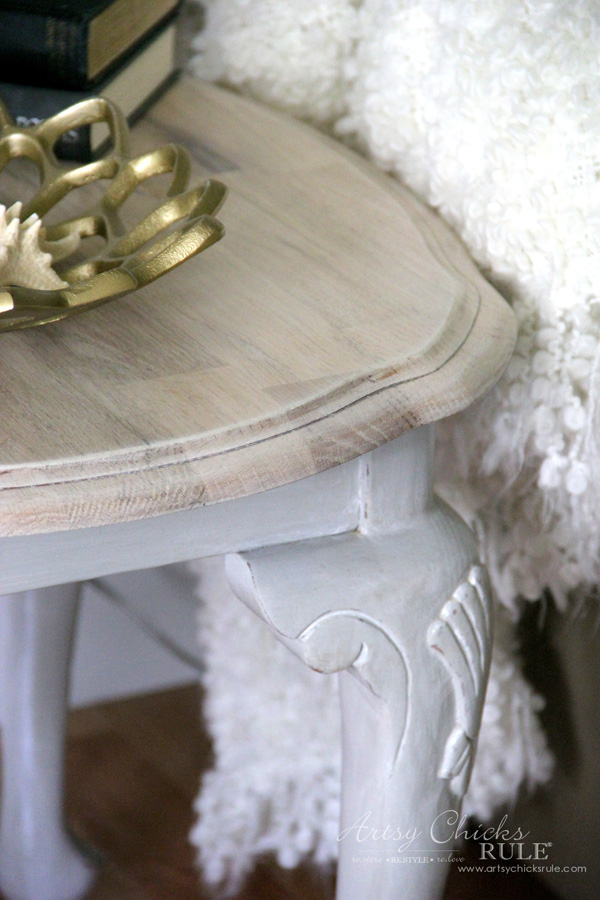 Coastal Styled Table with General Finishes Chalk Style Paint - UP CLOSE - artsychicksrule.com #chalkstylepaint #generalfinishes