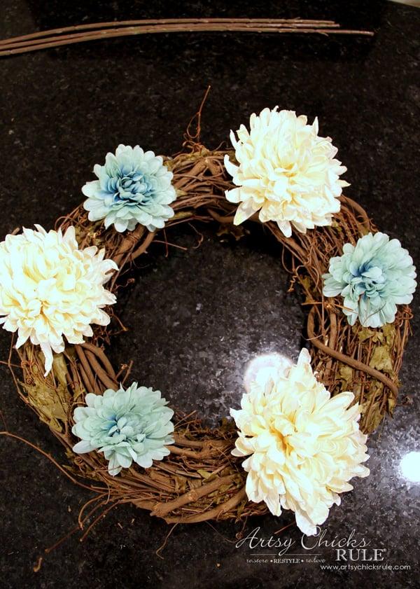 Coastal Fall Wreath - 2 - artsychicksrule.com #fallwreath #coastalfallwreath