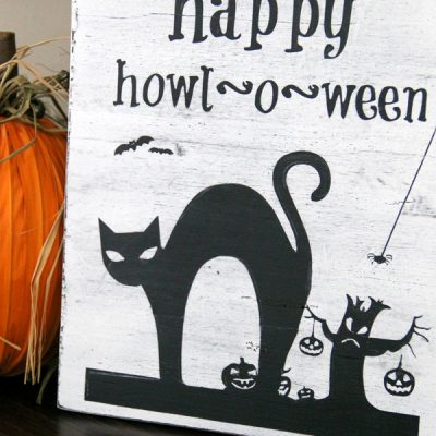 DIY Halloween Sign & No Sew Flag