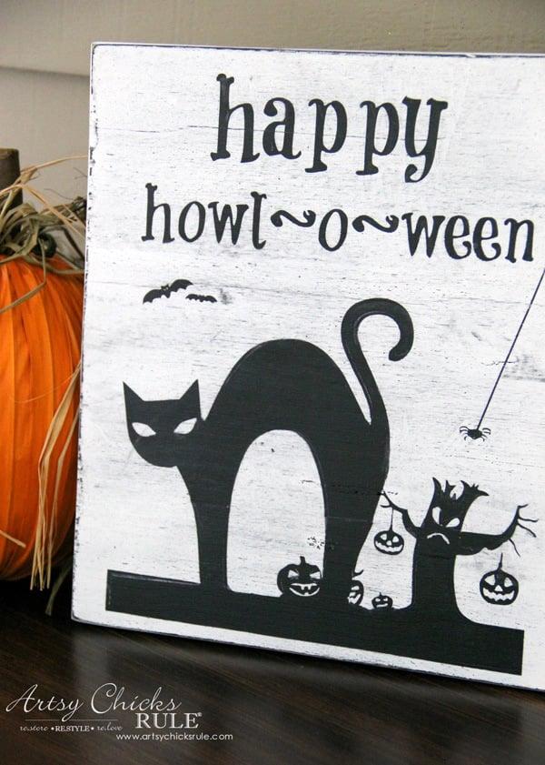 Halloween Flag - artsychicksrule.com - #freeprintable #halloweenrprintable #halloweensign