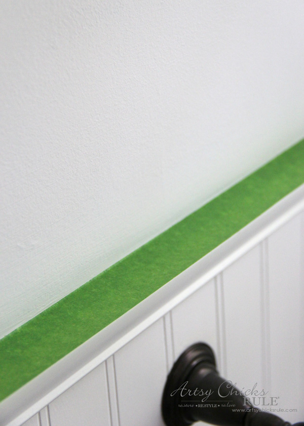 Tips for Painting Your Walls - applying Frogtape - #artsychicksrule #frogtape #ad