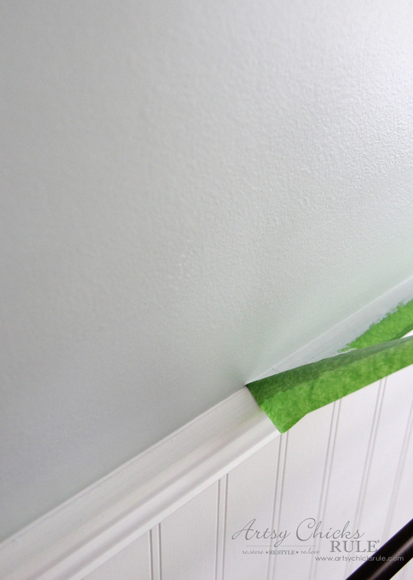 Tips for Painting Your Walls - removing Frogtape - #artsychicksrule #frogtape #ad