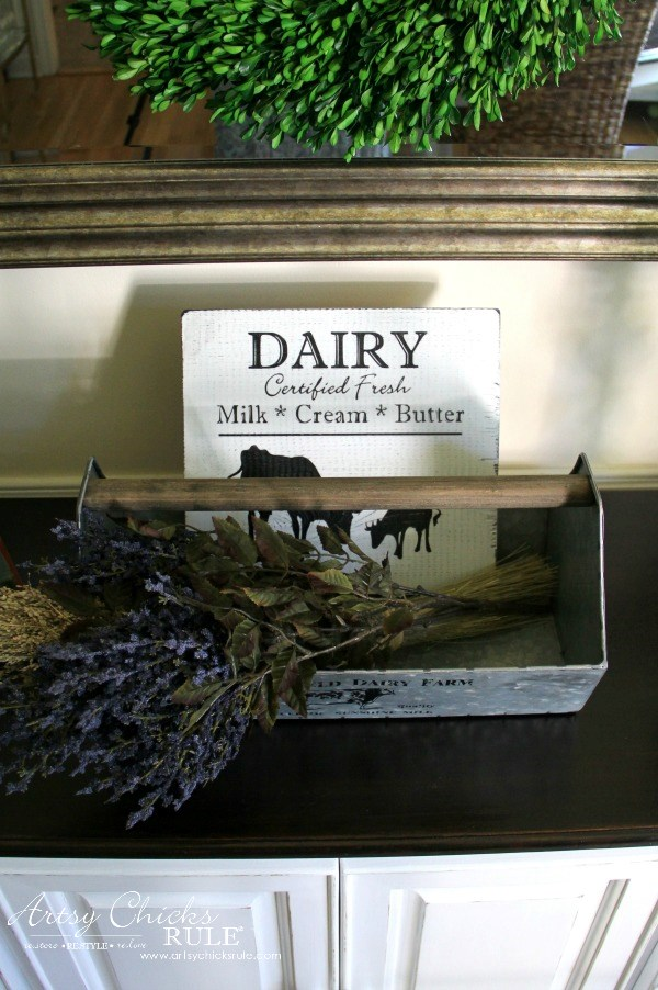 Farmhouse Style Dairy Sign artsychicksrule.com
