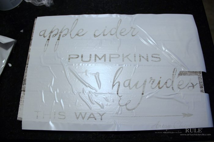 Apple Cider Hayrides & Pumpkins Sign - Simple DIY Fall Sign!! artsychicksrule.com