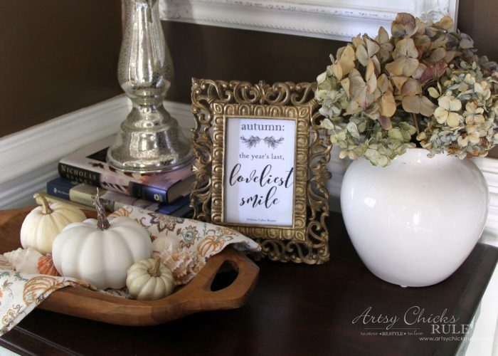 Fall in the Foyer and a SIMPLE Fall Craft!! artsychicksrule.com