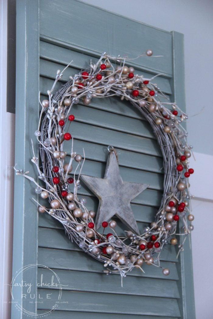 Festive Christmas Family Room - artsychicksrule.com #coastalChristmas #Christmashometour #festivedecor #Christmasdecor #redChristmas