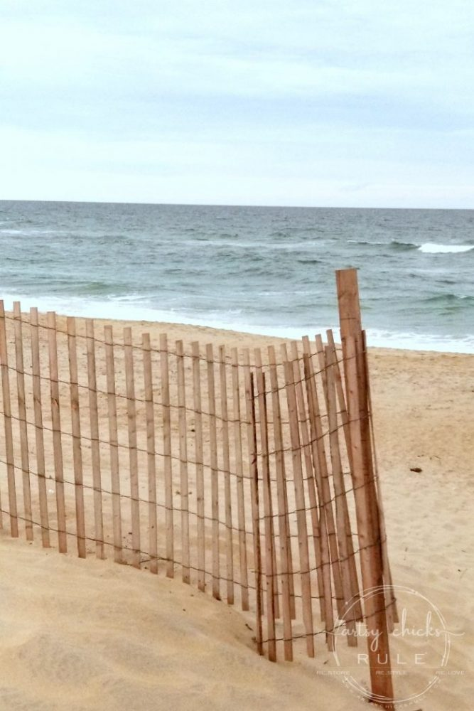 Outer Banks Things To Do (and see!!) The beach! artsychicksrule.com #outerbanks #outerbanksvacation #obx #traveldestinations #travel #visitobx #thingstodoinobx #outerbankstrip #coastaldestinations #coastalvacations #nagshead #hatteras #manteo