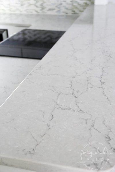 Kitchen Countertop Reveal (Wilsonart Quartz Coastal)
