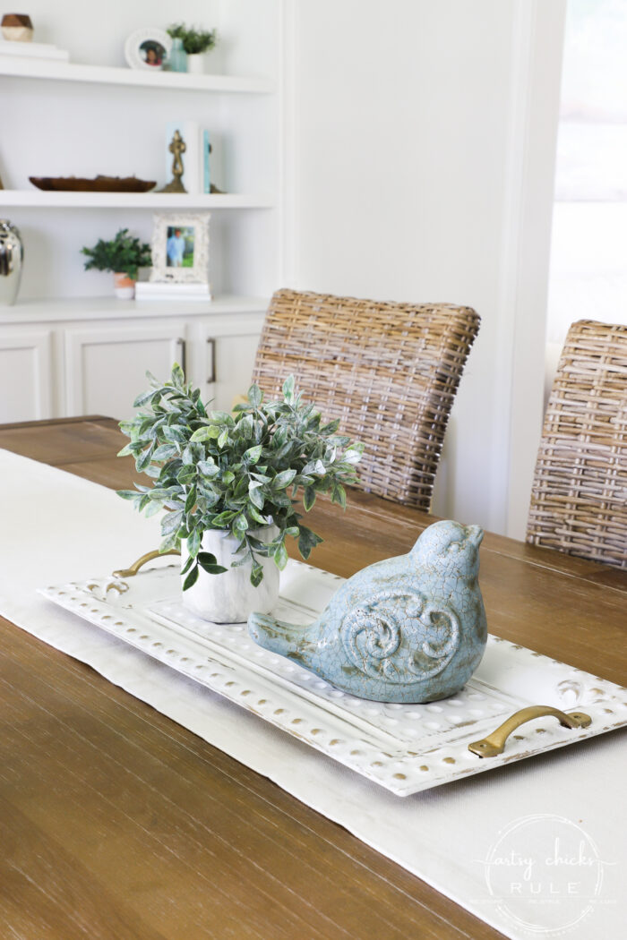 White and Gold tray on dining table artsychicksrule.com