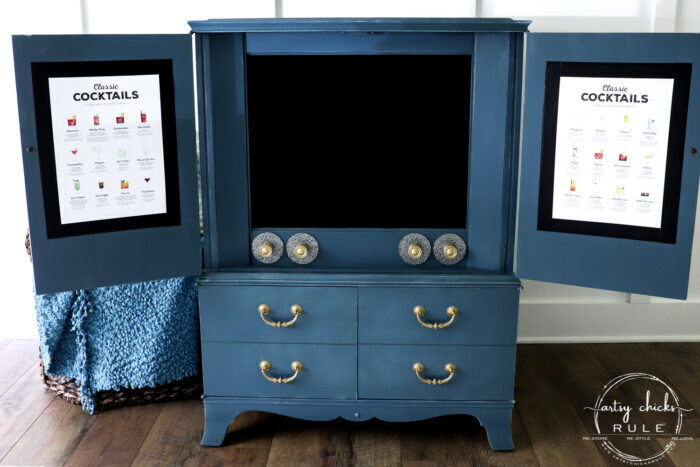 Retro TV Cabinet TURNED Bar Cabinet! Perfect for this!! artsychicksrule.com #barcabinet #retrotvcabinet #vintagetvcabinet #tvcabinetrepurposed #repurposedmakeover