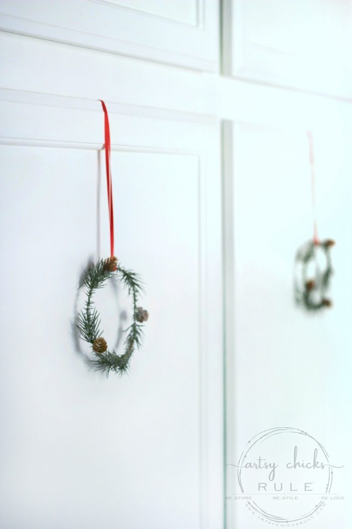 Today I'm sharing 17 super simple DIY Christmas crafts that anyone can do. Budget-friendly and fun, too! artsychicksrule.com #diychristmascrafts #easychristmasideas #holidaycrafts #christmascraftideas