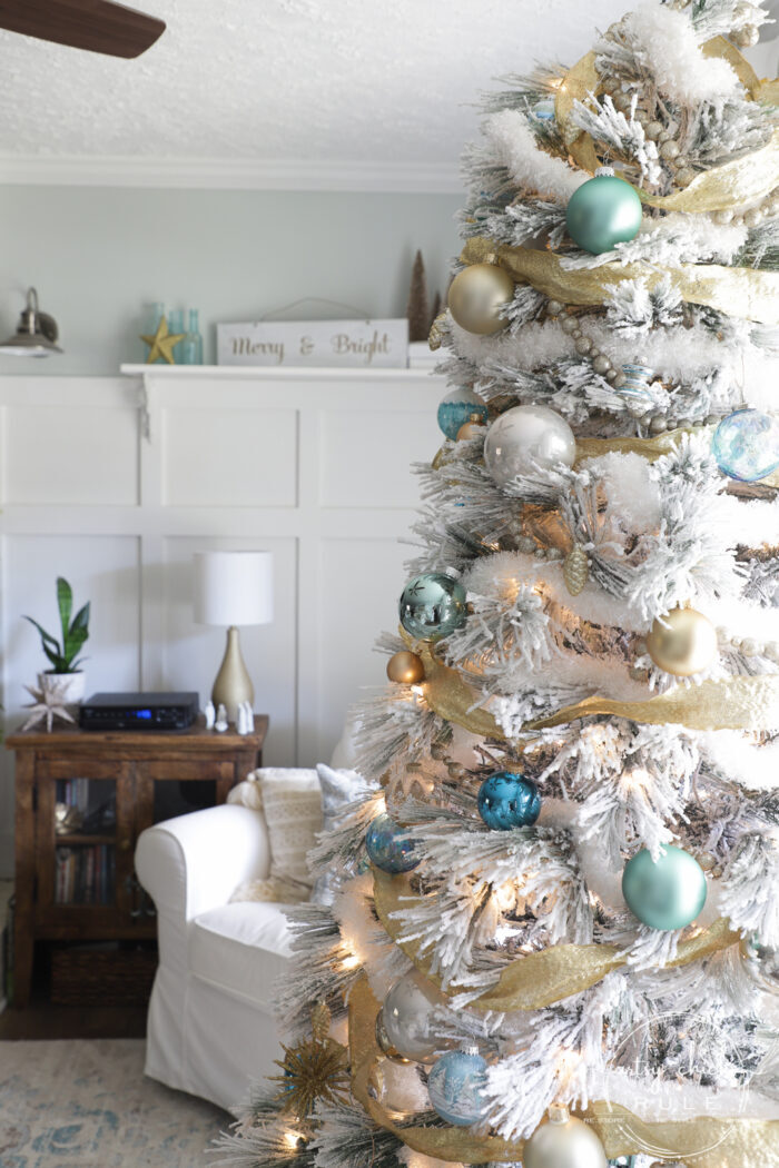 Blue and gold decor is a beautiful change from the traditional red so well-loved by many. artsychicksrule.com #blueandgoldchristmas #goldchristmasdecor #bluechristmasdecor