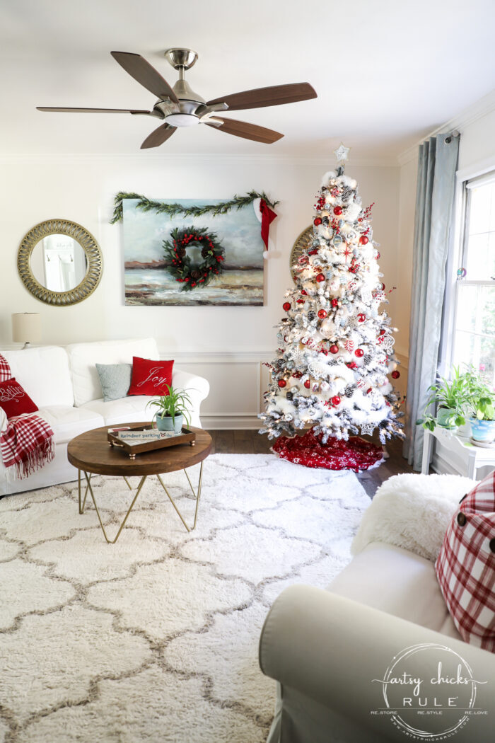 Cozy Christmas decor in traditional reds creates a warm, nostalgic and welcoming space! Simple ideas to create a holiday space you'll love! #cozychristmas #redchristmasdecor #tradtionalredchristmas