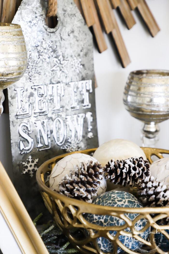 I'm sharing a few simple ways to transition into those long winter months after the holidays with simple & cozy winter decor! artsychicksrule.com #winterdecor #winterdecoratingideas #winterhome