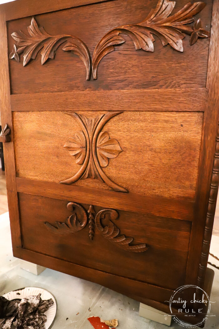 This gel stain cabinet makeover was a breeze to do!! Super easy (and quick) way to update that old orange-y wood! (or any old wood!) artsychicksrule.com #gelstain #gelstainmakeover #gelstainideas #furnituremakeover #stainedfurnitured #antiquefurniture
