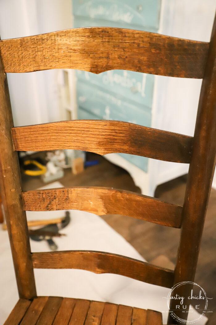 $8 Ladder Back Chair Makeover with Gel Stain and Gel Topcoat...SO SIMPLE!!!! artsychicksrule.com #ladderbackchair #gelstain #geltopcoat #stainedfurnituremakeover