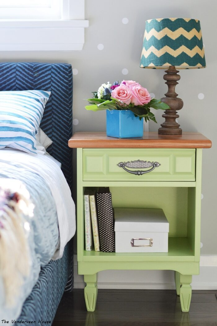 20 Green Painted Furniture Makeovers artsychicksrule.com #greenpaintedfurniture #greenfurniture #greenmakeovers