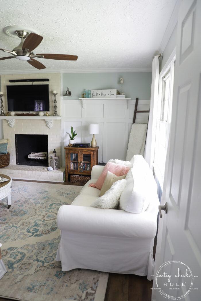 Same corner after of coastal living room artsychicksrule.com