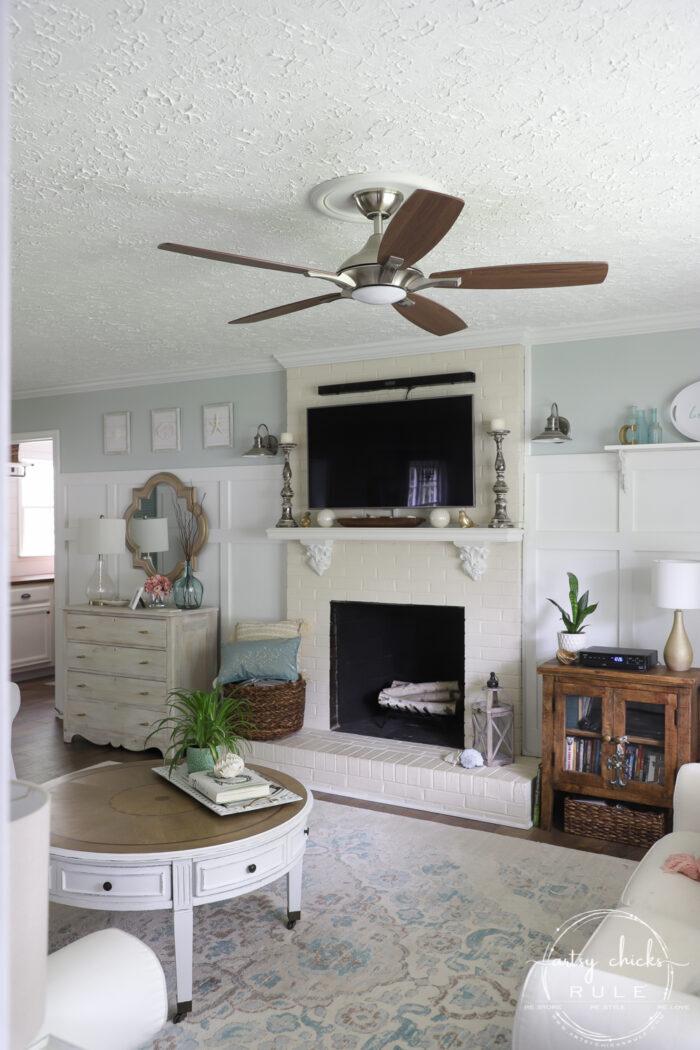 Fireplace in coastal living room artsychicksrule.com