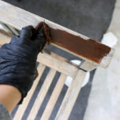 Refinish Outdoor Wood Furniture (easy with stain!)