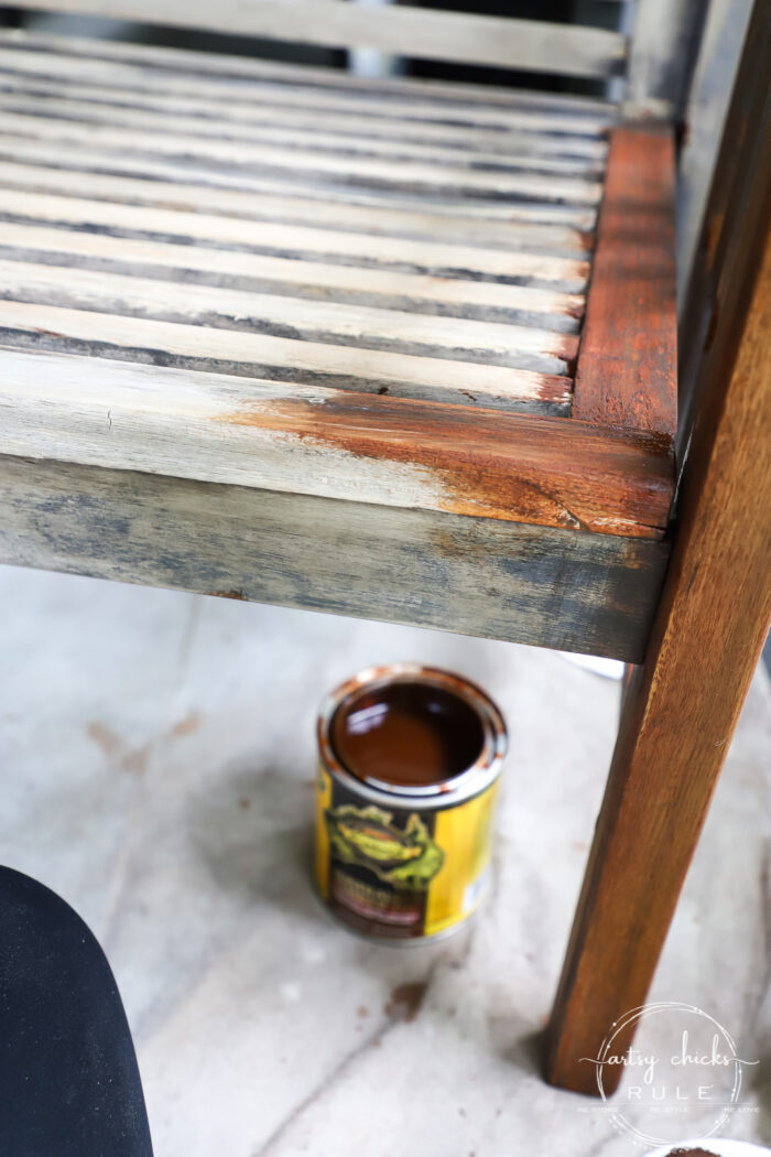 Learn how to quickly, and simply, refinish outdoor wood furniture with just one product! Make your patio furniture look better than brand new. artsychicksrule.com #restainoutdoorfurniture #refinishoutdoorfurniture #patiofurnituremakeover