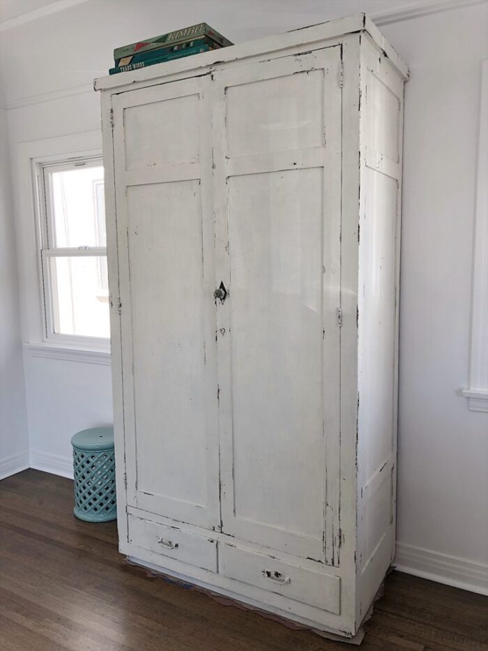 white antique cabinet