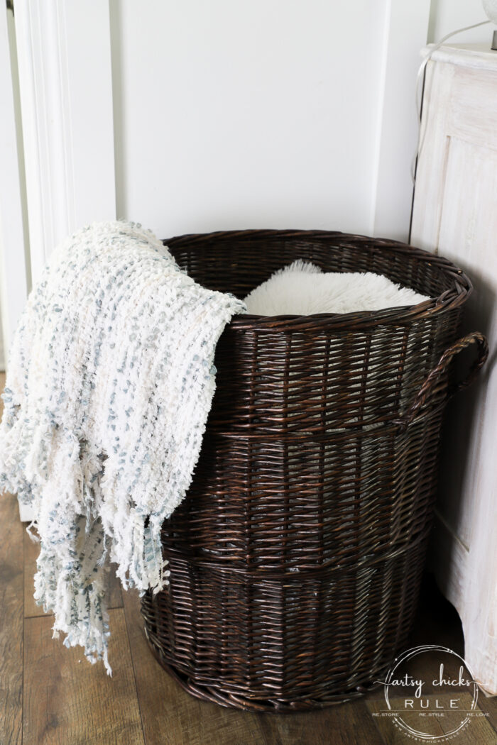 Staining baskets is a great way to give them a brand new look! Made simple with this type of stain! #artsychicksrule.com #gelstain #stainingbaskets