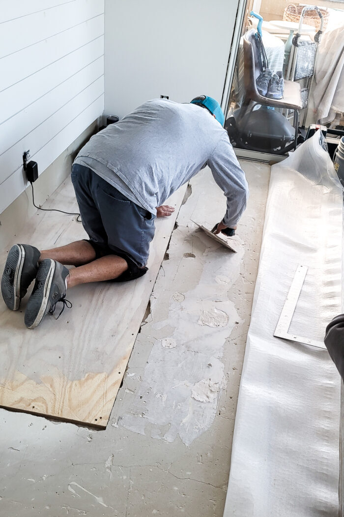 New Waterproof Hardwood Installation artsychicksrule.com #sponsored #woodwithoutworry #raintreeflooring #waterproofhardwood