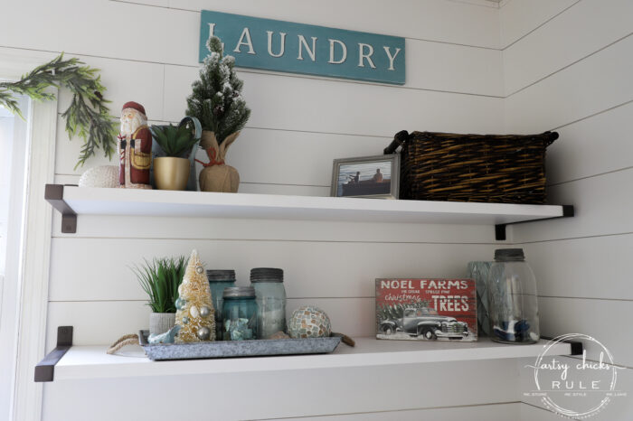Create a cozy Christmas living room (and home) with sweet, sentimental touches, pops of red, cozy throws, and pillows! artsychicksrule.com