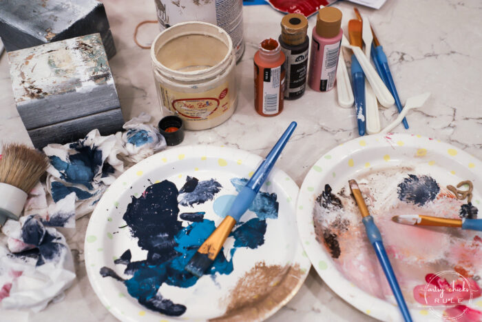 plates used for paint with brushes