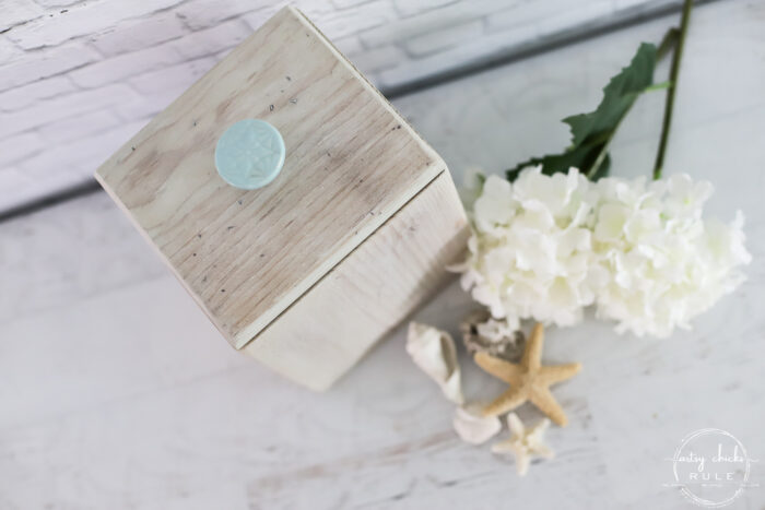 whitewashed bleached wood box with aqua knob top view