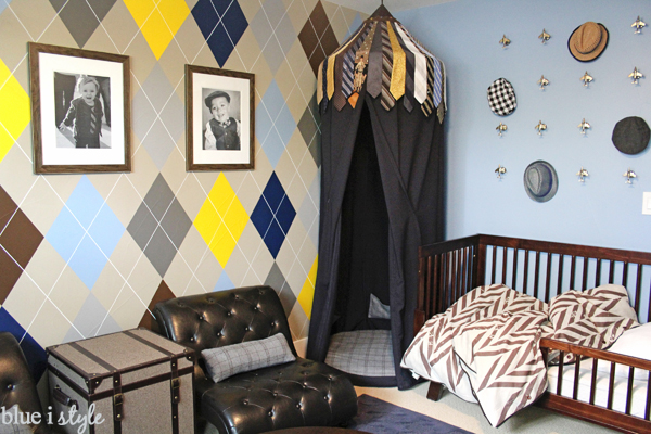 yellow, navy, gray and tan painted argyle pattern on wall boy's room