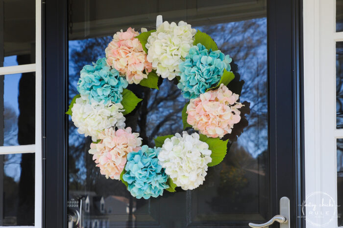 blue, white and aqua hydrangea wreath close up
