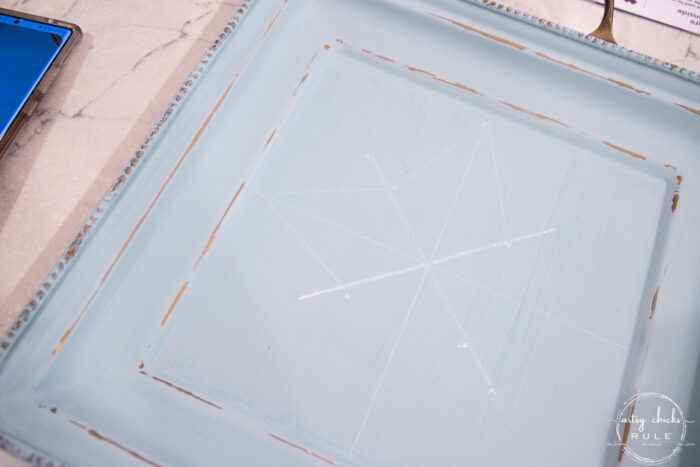 white lines on blue tray